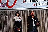 スーザン史子(左)と吉田匠(右)