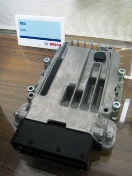 エンジンコントロールユニット