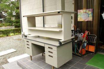 東日本大震災活動 事務机