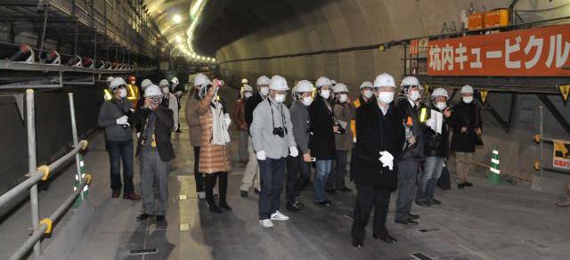 首都高速勉強会 トンネル見学風景