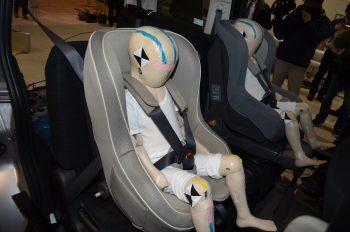 平成24年度 自動車アセスメント試験公開 チャイルドシート ダミー人形