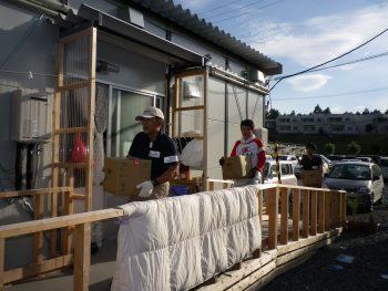 東日本大災害活動 津々見友彦レポート 水配り