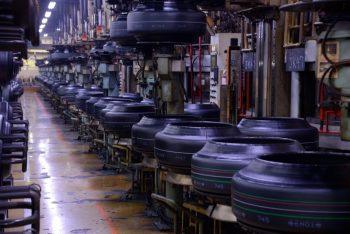 ブリヂストン栃木工場 生産風景