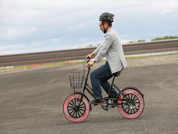 ブリヂストン第5回タイヤ勉強会 エアフリーコンセプト 自転車 走行風景